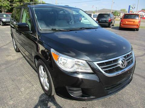 2009 Volkswagen Routan for sale at U C AUTO in Urbana IL
