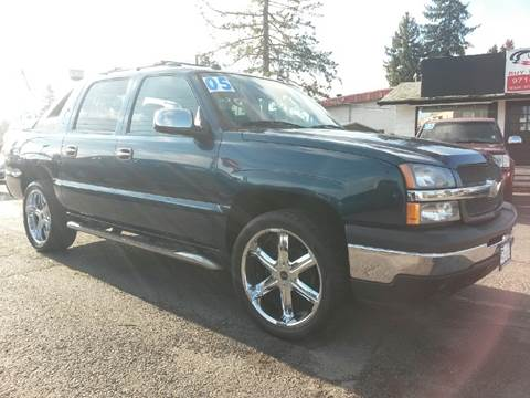 2005 Chevrolet Avalanche for sale at Universal Auto Sales Inc in Salem OR