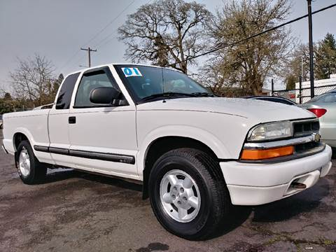 2001 Chevrolet S-10 for sale at Universal Auto Sales Inc in Salem OR