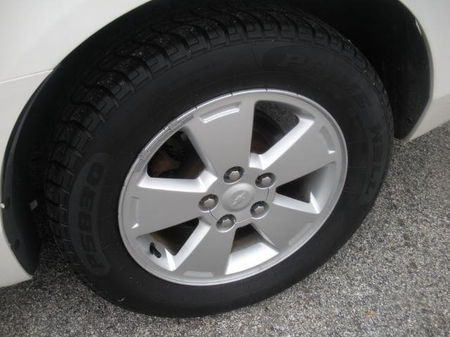 2006 Chevrolet Impala LT 4dr Sedan w/3.5L w/ roof rail curtain delete - Kokomo IN