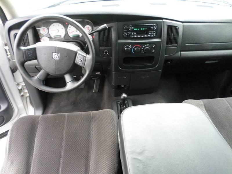 2004 Dodge Ram Pickup 2500 for sale at Farmington Auto Plaza in Farmington MO