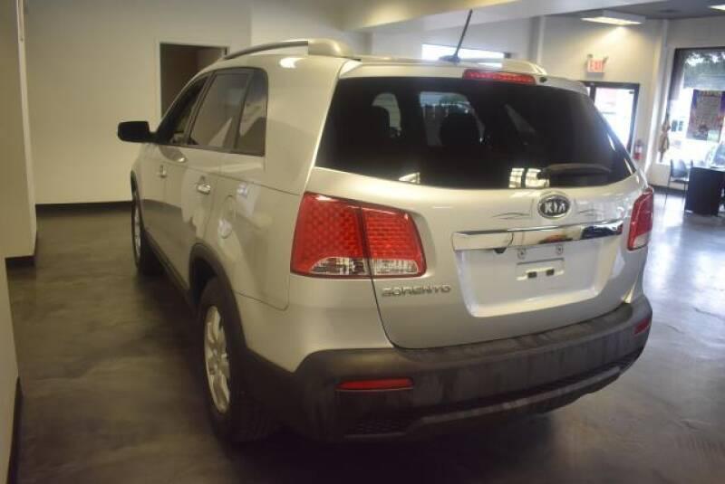 2011 Kia Sorento AWD LX 4dr SUV - St James NY
