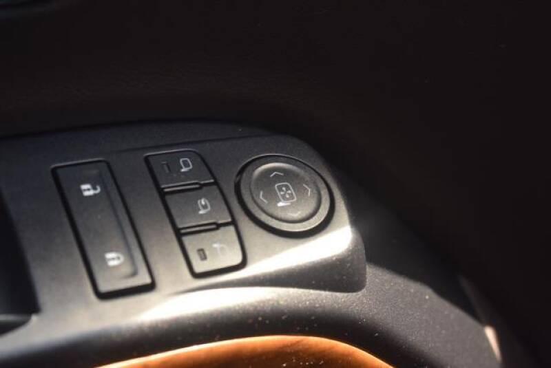 "2015 Chevrolet Silverado 1500 4WD Crew Cab 143.5"" High Country - St James NY"