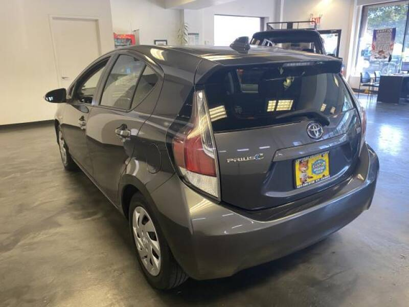 2015 Toyota Prius c 5dr HB One (Natl) - St James NY