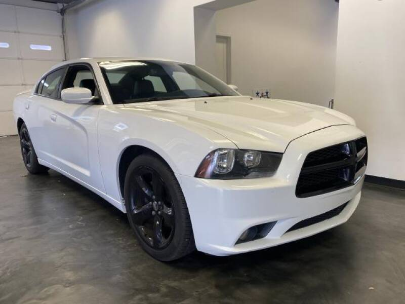 2013 Dodge Charger 4dr Sdn SXT RWD - St James NY