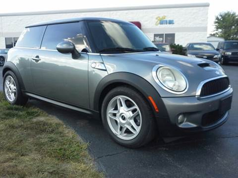 2007 MINI Cooper for sale at Sinclair Auto Inc. in Pendleton IN