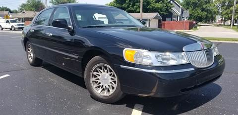 2002 Lincoln Town Car for sale at Sinclair Auto Inc. in Pendleton IN