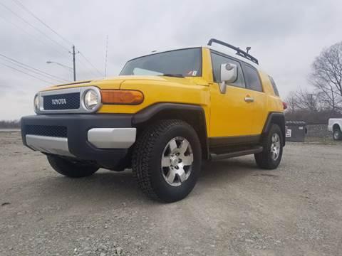 2007 Toyota FJ Cruiser for sale at Sinclair Auto Inc. in Mccordsville IN