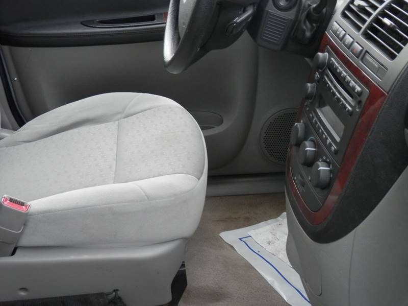 2008 Chevrolet Uplander LS 4dr Extended Mini-Van - Marquette MI