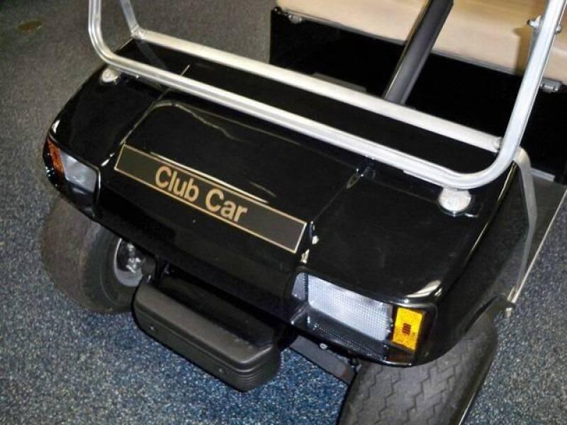 2016 Club Car Villager 6 Electric 6 Passenger - Reedsville WI