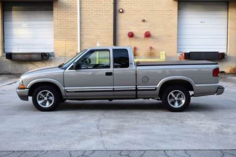 2001 Chevrolet S-10 for sale at Automotion Of Atlanta in Conyers GA