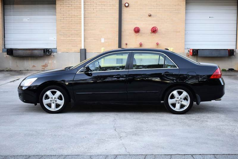 2006 Honda Accord for sale at Automotion Of Atlanta in Conyers GA