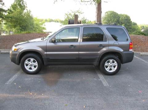 2006 Ford Escape for sale at Automotion Of Atlanta in Conyers GA