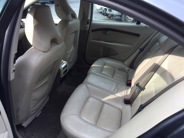 2007 Volvo S80 for sale at Hi-Tech Auto Sales in Providence RI