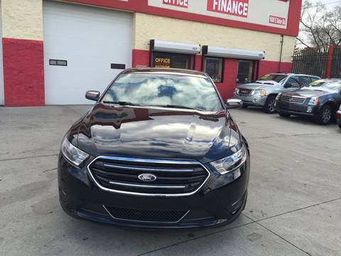 2016 Ford Taurus for sale in Detroit, MI