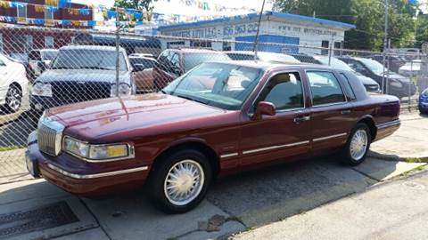 1997 Lincoln Town Car For Sale In Massachusetts Carsforsale Com