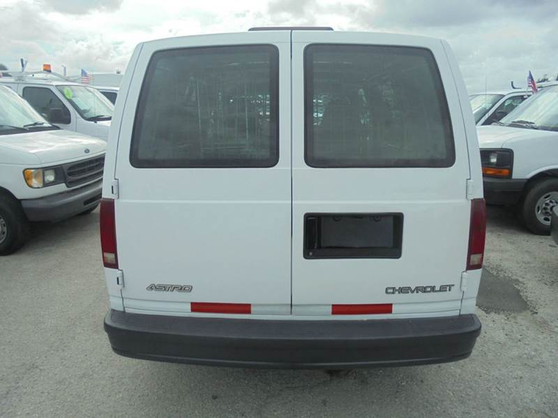 2000 Chevrolet Astro Cargo 3dr Extended Cargo Mini-Van In Opalocka