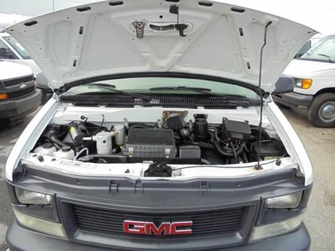 2001 GMC Safari Cargo