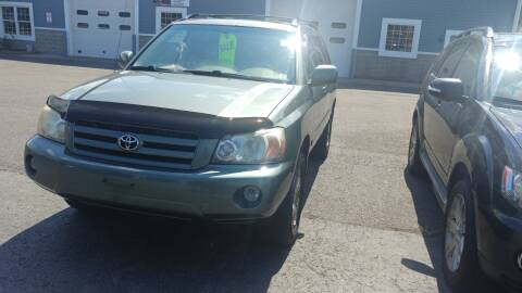 2005 Toyota Highlander for sale at Pool Auto Sales Inc in Spencerport NY