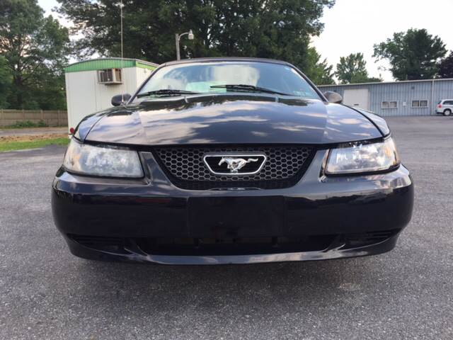 2004 Ford Mustang Deluxe 2dr Convertible - Lancaster PA