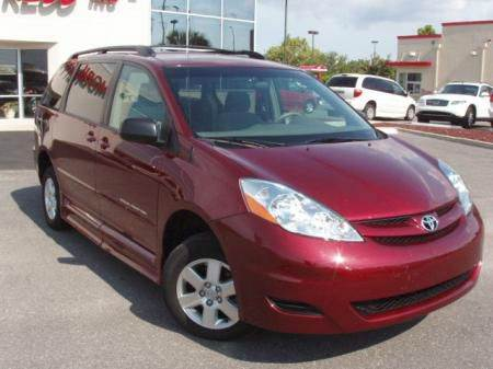 2006 Toyota Sienna for sale at Great Lakes Classic Cars & Detail Shop in Hilton NY