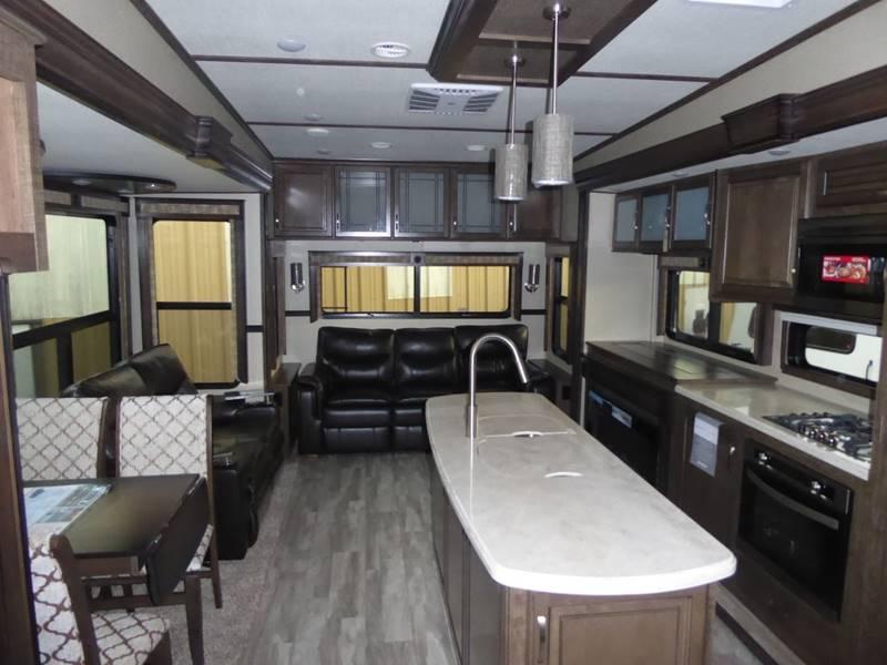 2018 Grand Design Solitude 373Fb Fifth Wheel In Grants Pass OR