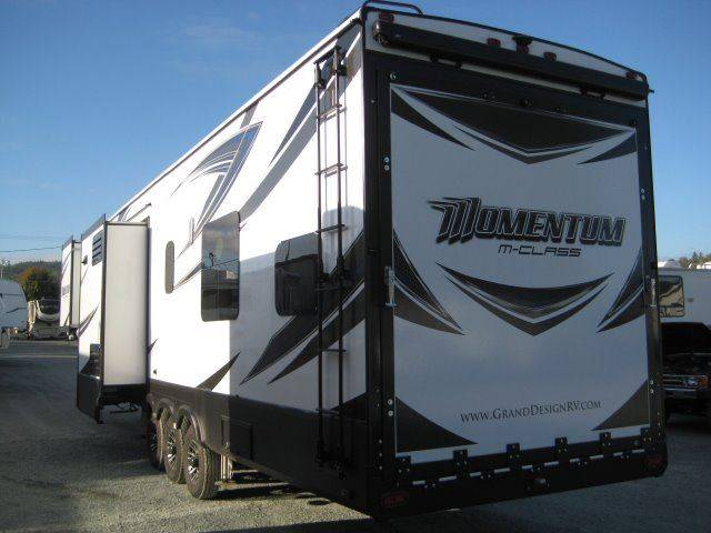 2017 Grand Design Momentum 388M Fifth Wheel - Grants Pass OR