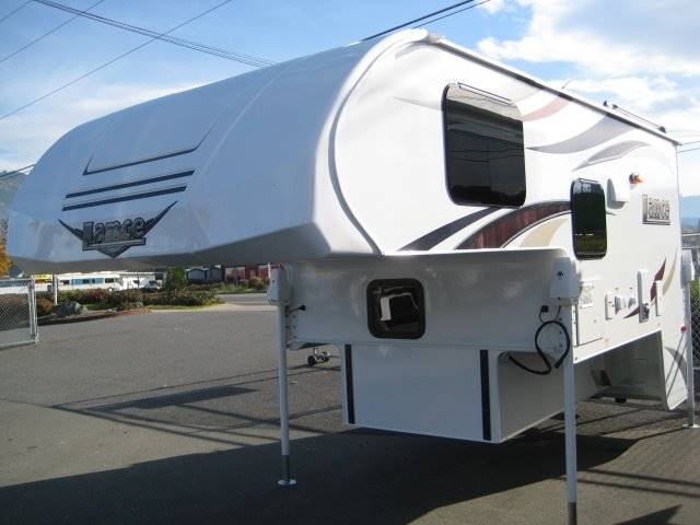 2017 Lance Camper 865 TRUCK CAMPER - Grants Pass OR