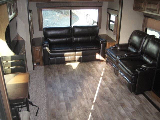 2017 Grand Design Refelection 27RL Fifth Wheel - Grants Pass OR