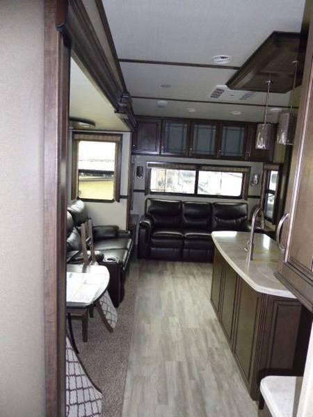 2017 Grand Design Solitude 377MBS Fifth Wheel - Grants Pass OR