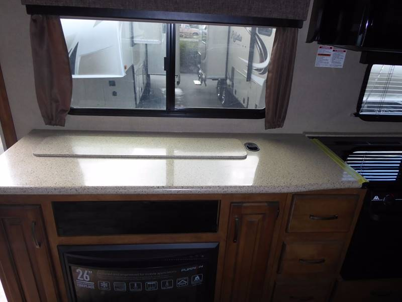 2017 Grand Design Reflection 28BH Fifth Wheel - Grants Pass OR