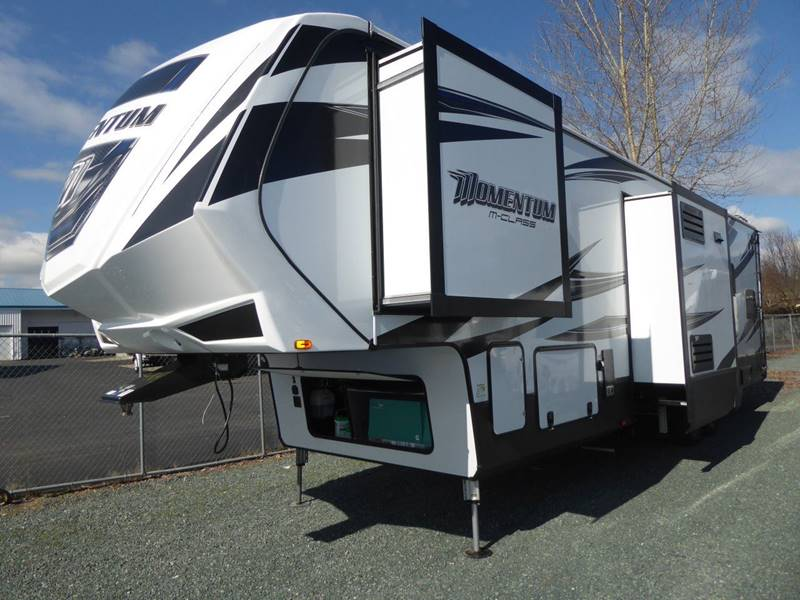 2017 Grand Design Momentum 349M Fifth Wheel - Grants Pass OR