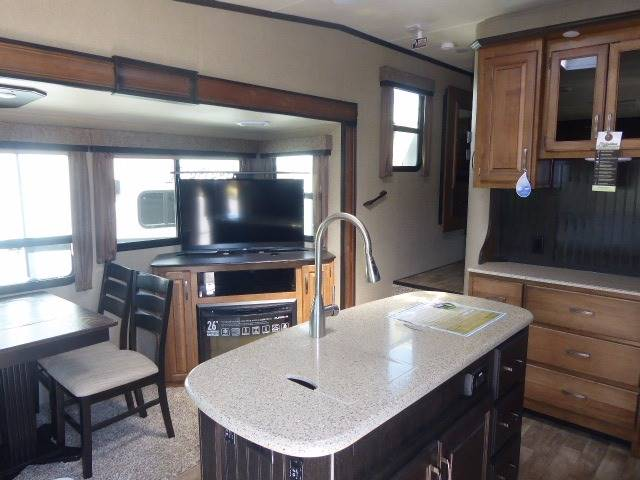 2017 Grand Design Reflection 26RL Fifth Wheel - Grants Pass OR