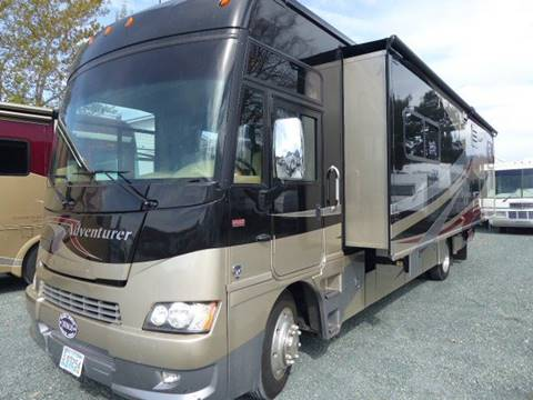2011 Winnebago Adventure 32H