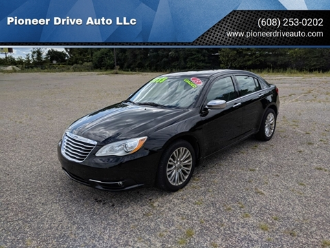 2013 Chrysler 200 for sale in Wisconsin Dells, WI