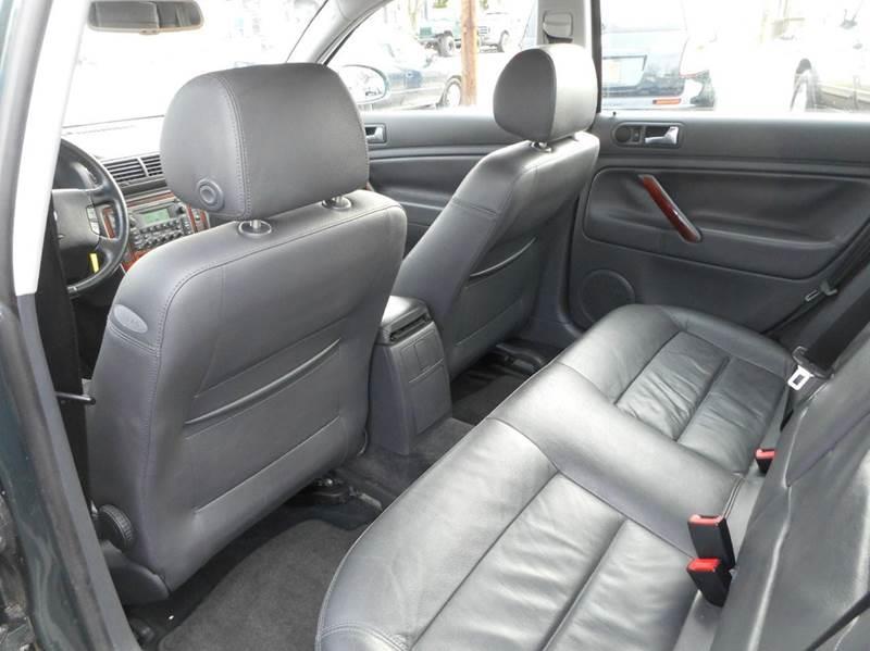 2005 Volkswagen Passat GLX 4dr Sedan V6 - Winchester VA
