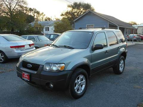 2006 Ford Escape for sale at D&S IMPORTS, LLC in Strasburg VA