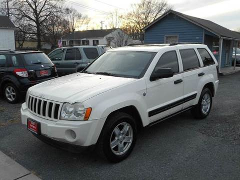 2006 Jeep Grand Cherokee for sale at D&S IMPORTS, LLC in Strasburg VA