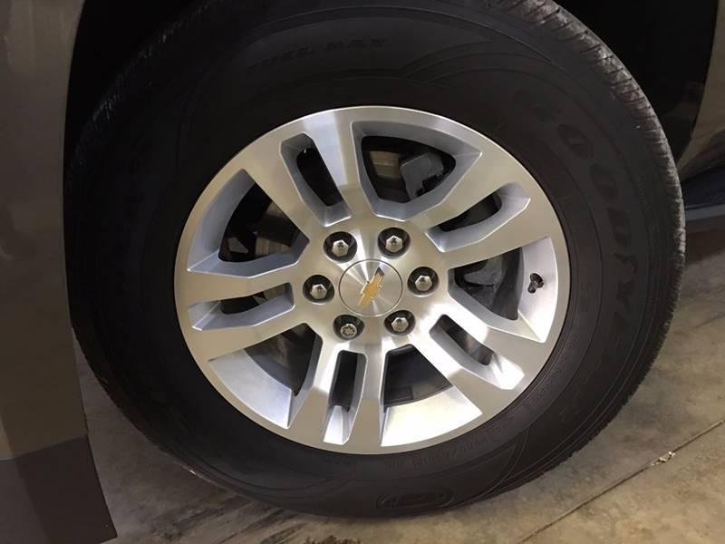 2016 Chevrolet Tahoe 4x4 LS 4dr SUV - 250 E Main Street IL