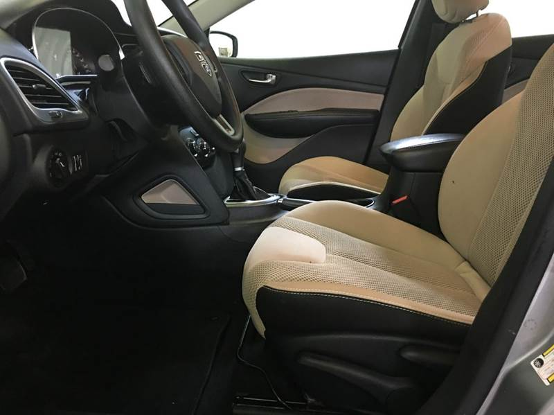 2014 Dodge Dart SXT 4dr Sedan - 250 E Main Street IL