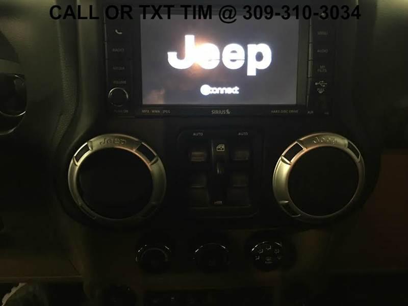 2011 Jeep Wrangler Unlimited 4x4 Sahara 4dr SUV - 250 E Main Street IL
