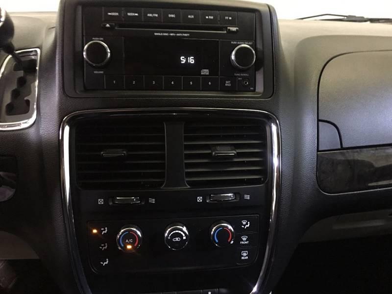 2015 Dodge Grand Caravan SE 4dr Mini-Van - 250 E Main Street IL