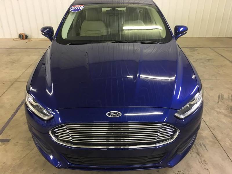 2016 Ford Fusion SE 4dr Sedan - 250 E Main Street	 IL