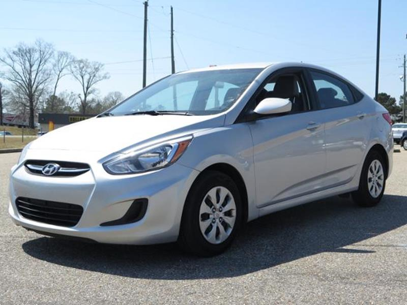 hatchback and trend accent cars se hyundai rating motor reviews dashboard