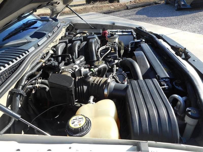 2005 Ford Explorer XLS 4WD 4dr SUV - Lenoir NC
