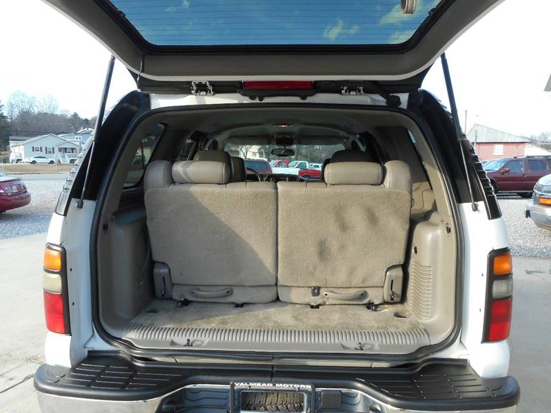 2004 Chevrolet Tahoe LT 4WD 4dr SUV - Lenoir NC