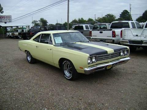 1969 Plymouth Roadrunner for sale at Tom Boyd Motors in Texarkana TX