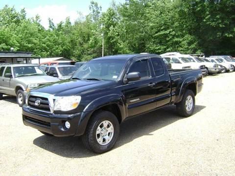 2006 Toyota Tacoma for sale at Tom Boyd Motors in Texarkana TX