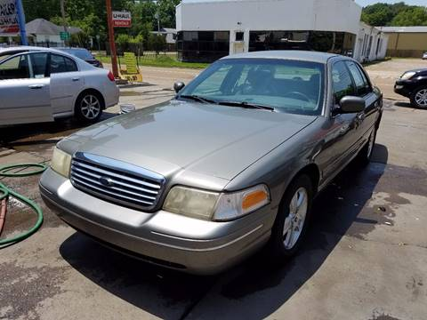 2003 Ford Crown Victoria for sale in Canton, MS