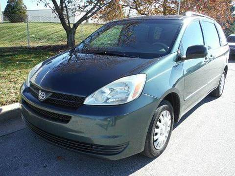 2005 Toyota Sienna for sale at TruckMax in N. Laurel MD